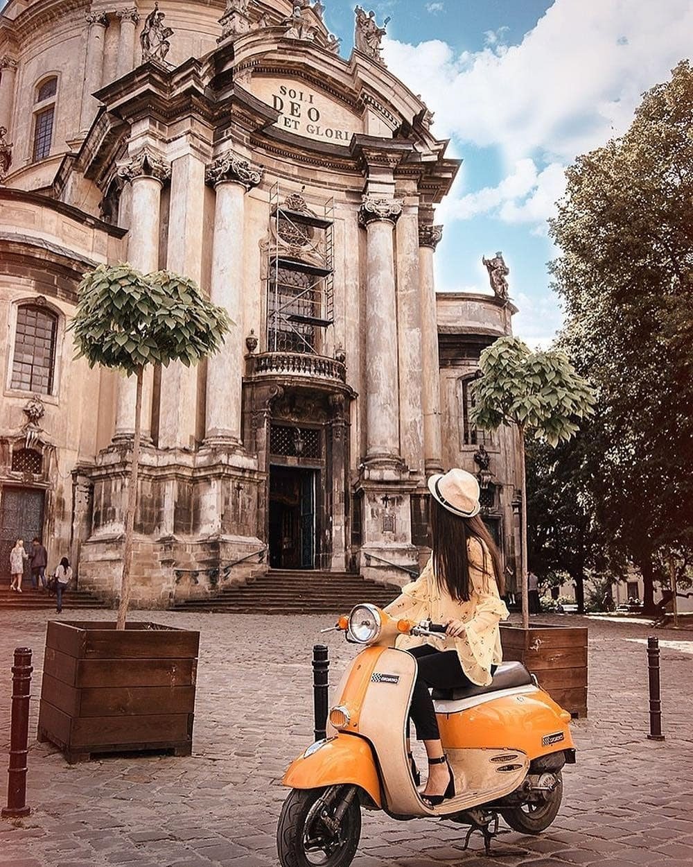 Instagram: travel